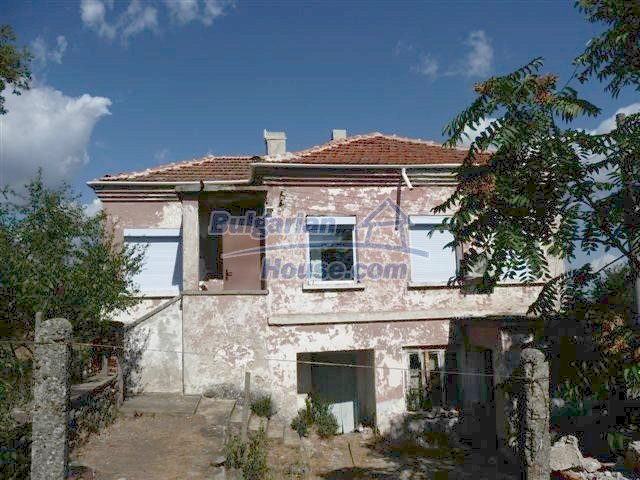 11002:3 - Furnished partially renovated Bulgarian house, Yambol