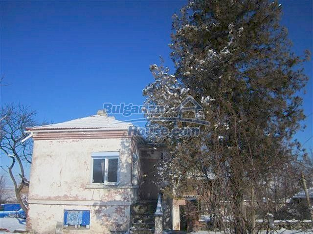 11002:9 - Furnished partially renovated Bulgarian house, Yambol