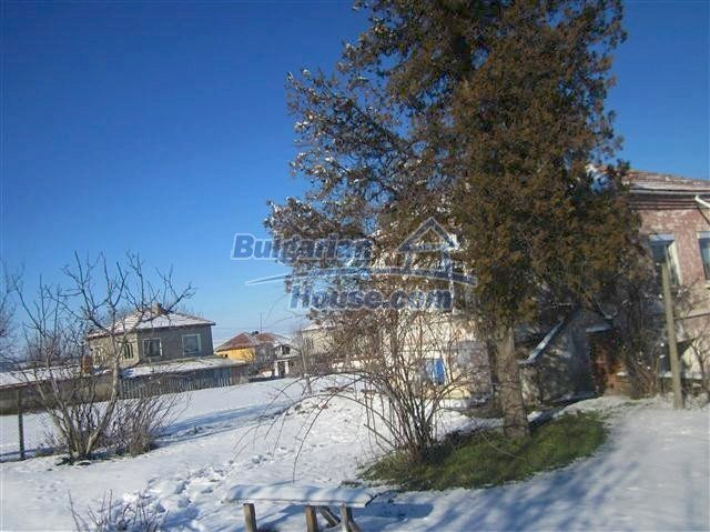11002:10 - Furnished partially renovated Bulgarian house, Yambol