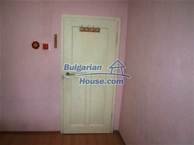 11002:14 - Furnished partially renovated Bulgarian house, Yambol