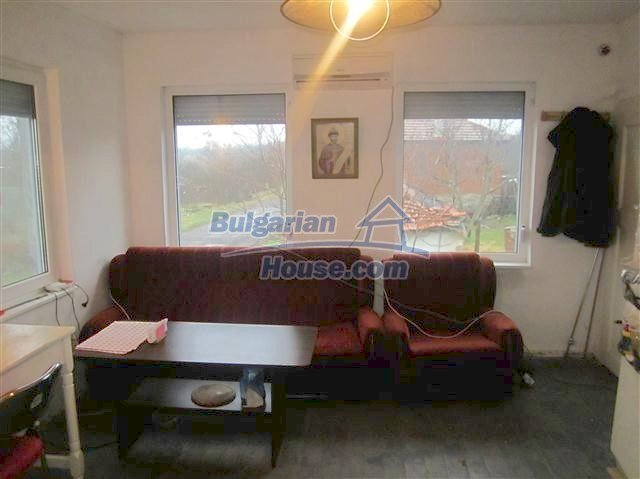 11002:16 - Furnished partially renovated Bulgarian house, Yambol