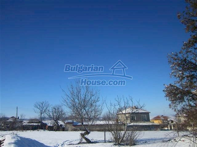 11002:20 - Furnished partially renovated Bulgarian house, Yambol