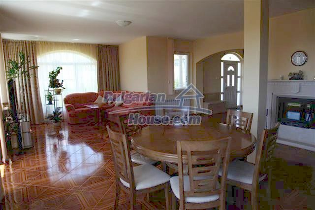 11008:17 - Attractive furnished and equipped seaside house, Pomorie