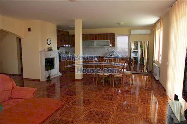 11008:19 - Attractive furnished and equipped seaside house, Pomorie