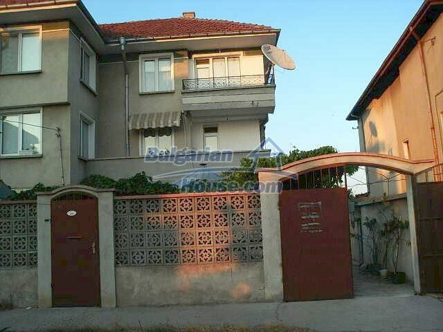 11009:3 - Three storey massive furnished house, Aheloy