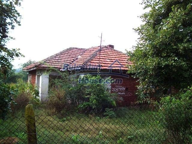 11017:2 - Beautiful small house in a green countryside