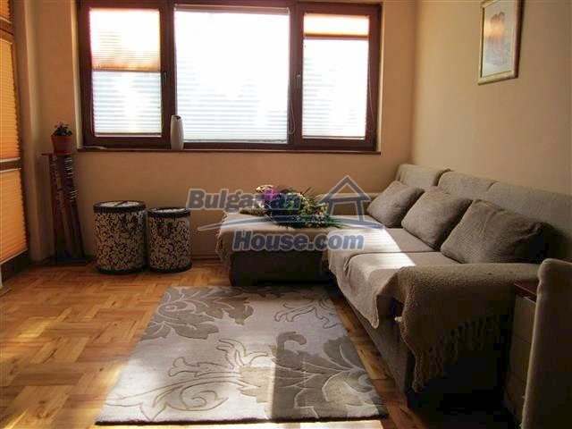 11025:1 - Luxury seaside two-bedroom apartment in Burgas