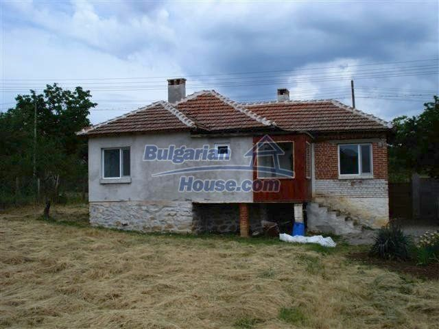 11033:1 - Well maintained renovated rural house