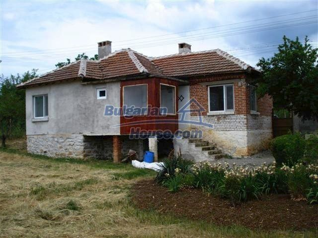 11033:2 - Well maintained renovated rural house