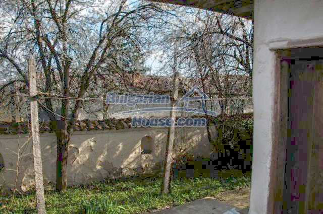 11041:5 - Old house with a tremendous garden plot, Shumen region