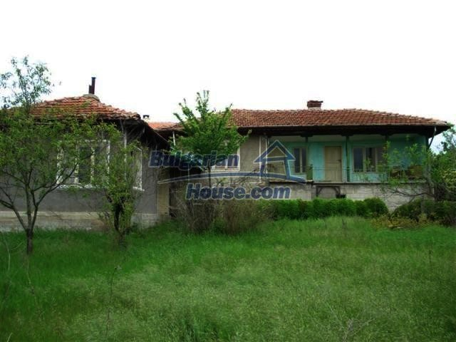 11045:2 - Lovely two rural houses near a big lake and the Black Sea