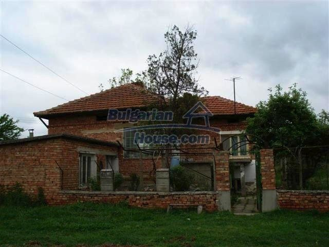 11060:2 - Brick property near a huge lake, adorable countryside
