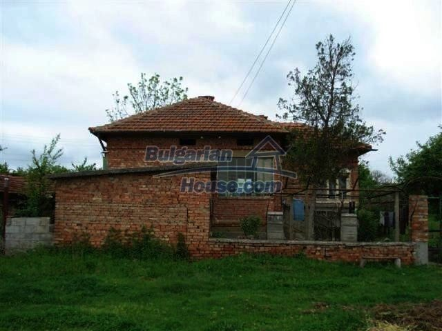 11060:3 - Brick property near a huge lake, adorable countryside