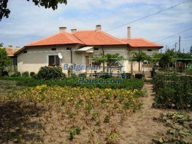 11063:1 - Beautiful property with a huge garden near the Black Sea coast
