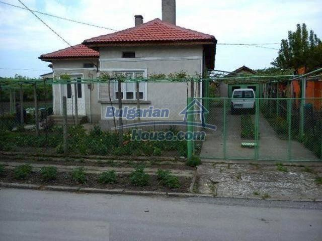 11063:2 - Beautiful property with a huge garden near the Black Sea coast