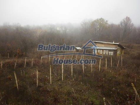 11077:10 - Small Bulgarian house in an incredible hilly countryside