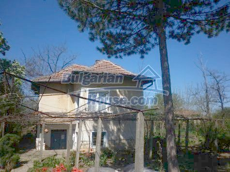 11081:2 - Compact house near Vratsa, excellent rural property investment