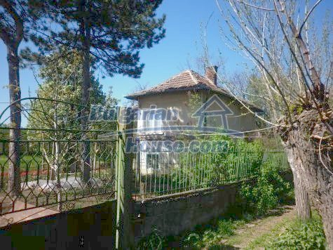 11081:4 - Compact house near Vratsa, excellent rural property investment