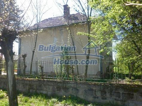 11081:6 - Compact house near Vratsa, excellent rural property investment