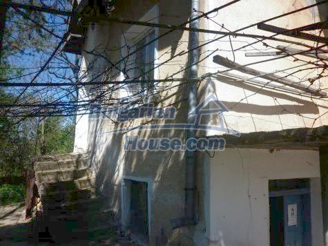 11081:9 - Compact house near Vratsa, excellent rural property investment