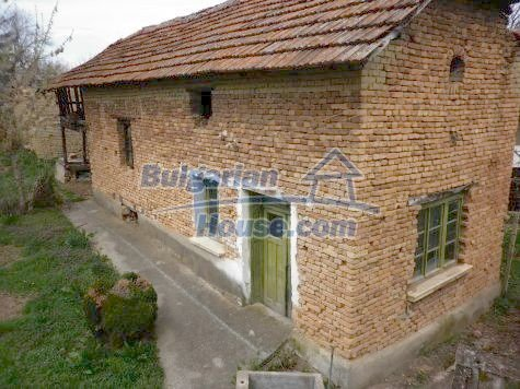 11101:7 - Cheap old house with a summer kitchen and a garden, Vratsa