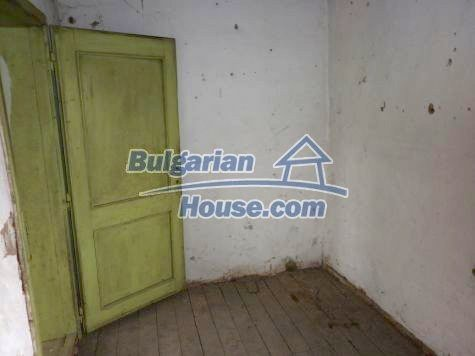 11101:12 - Cheap old house with a summer kitchen and a garden, Vratsa