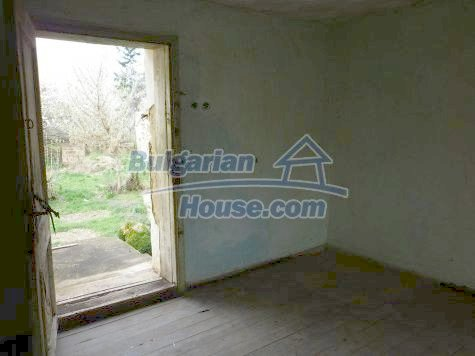 11101:16 - Cheap old house with a summer kitchen and a garden, Vratsa