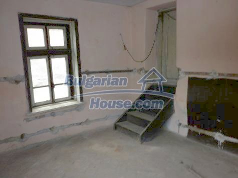 11101:21 - Cheap old house with a summer kitchen and a garden, Vratsa