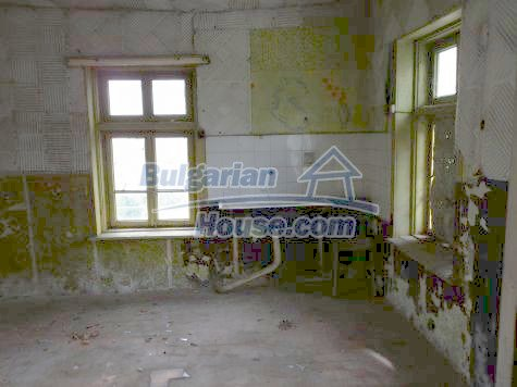 11101:23 - Cheap old house with a summer kitchen and a garden, Vratsa