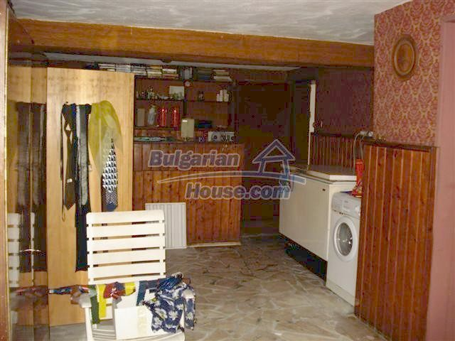 11106:9 - Two-storey house in a beautiful village, Yambol region