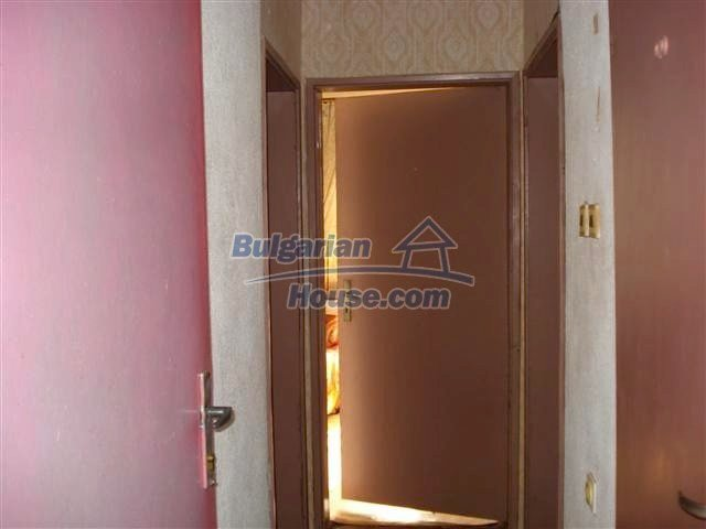 11106:12 - Two-storey house in a beautiful village, Yambol region