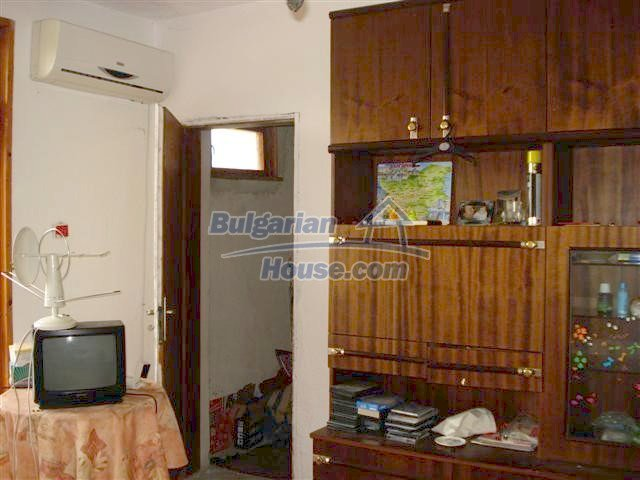 11106:15 - Two-storey house in a beautiful village, Yambol region