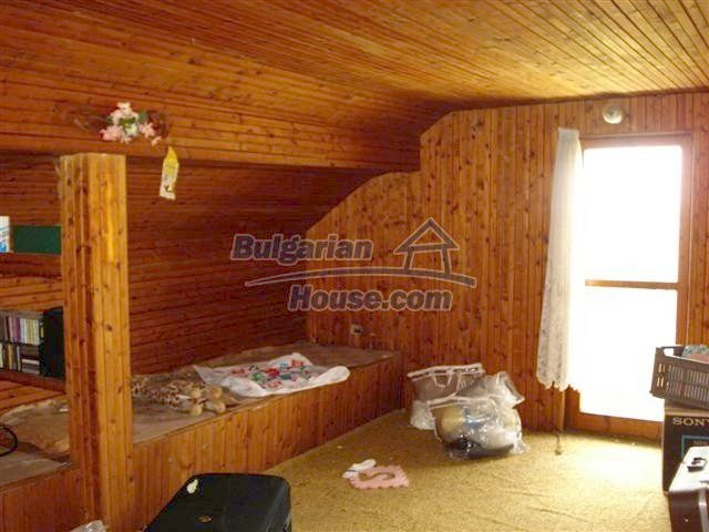 11106:17 - Two-storey house in a beautiful village, Yambol region