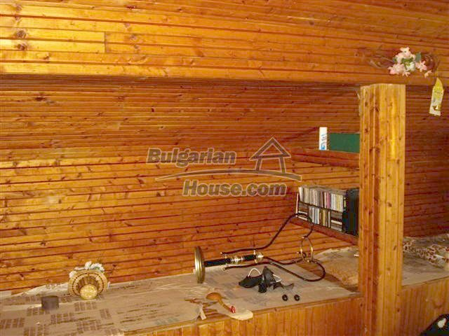11106:18 - Two-storey house in a beautiful village, Yambol region
