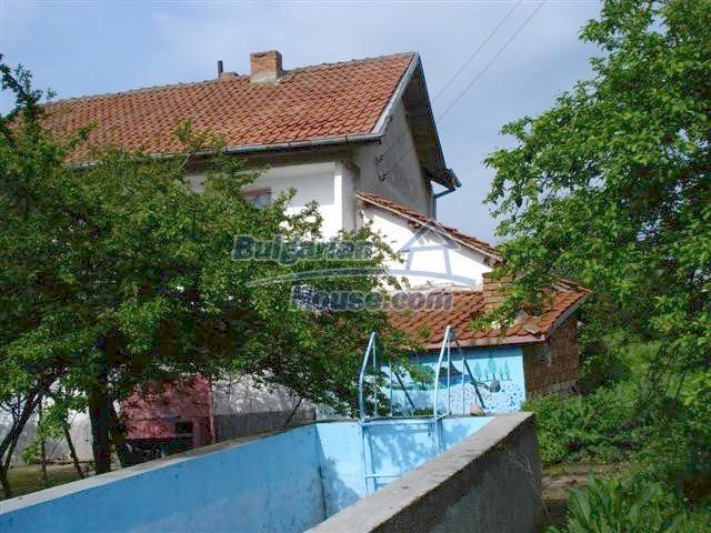 11106:25 - Two-storey house in a beautiful village, Yambol region