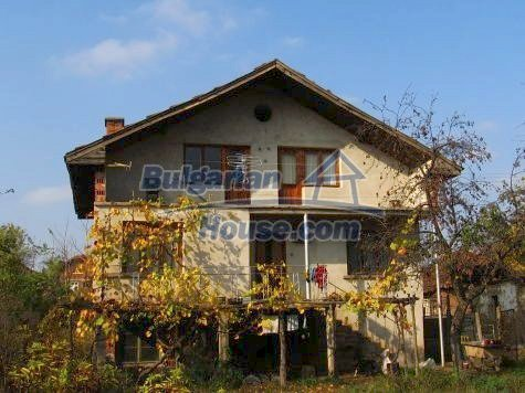 11118:1 - Rural house in the center of a quiet village, beautiful scenery