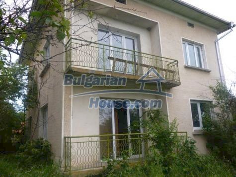 11120:1 - Large completed and equipped three-storey house, Vratsa region