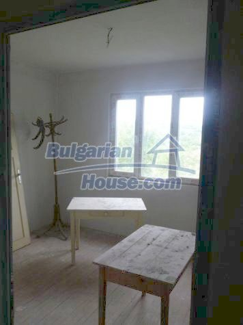 11120:20 - Large completed and equipped three-storey house, Vratsa region