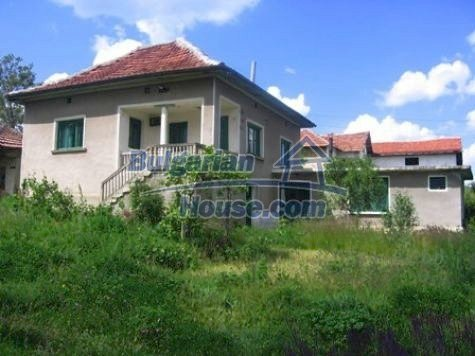11121:1 - Finished rural house in a hilly area close to Vratsa