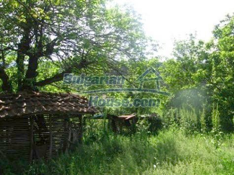 11121:12 - Finished rural house in a hilly area close to Vratsa