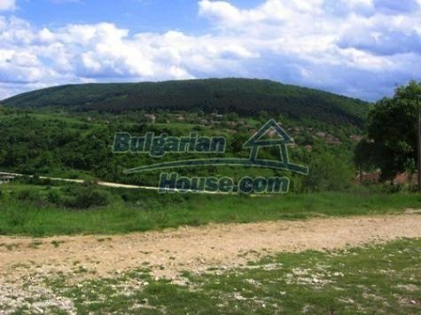 11121:13 - Finished rural house in a hilly area close to Vratsa