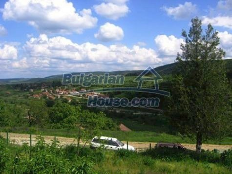 11121:10 - Finished rural house in a hilly area close to Vratsa