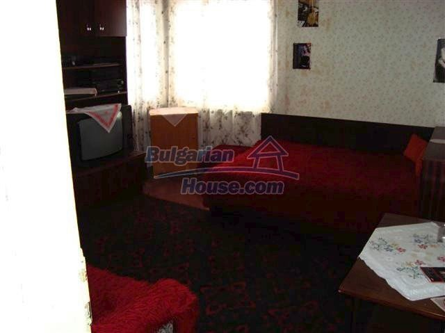 11129:9 - Massive rural house 15 km from Elhovo, quiet countryside