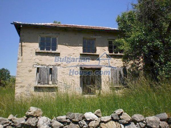 11138:1 - Solid stone built rural house with a huge garden near Smolyan