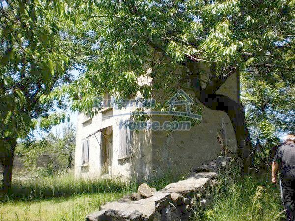11138:3 - Solid stone built rural house with a huge garden near Smolyan