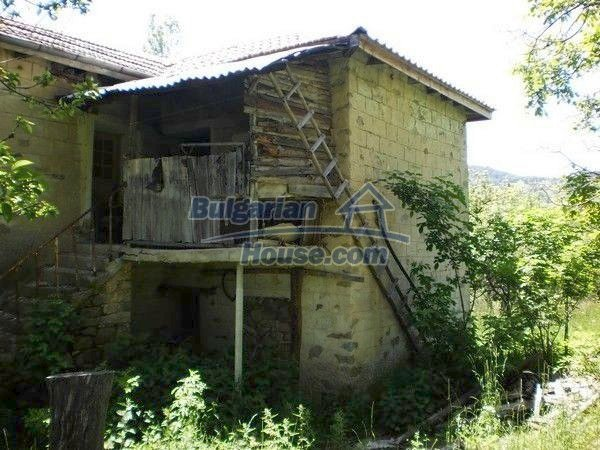 11138:4 - Solid stone built rural house with a huge garden near Smolyan