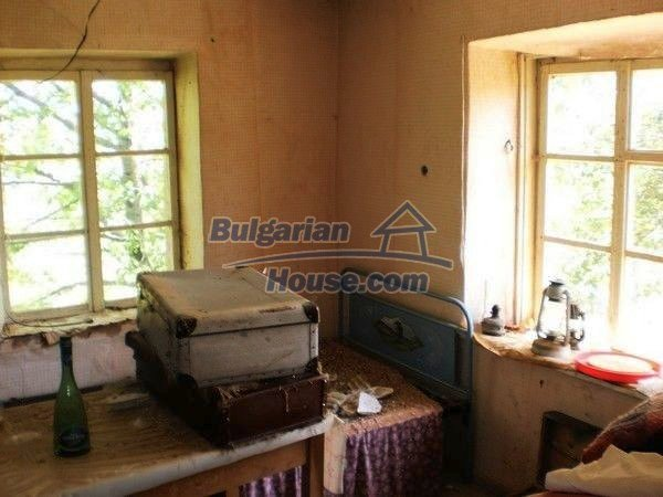 11138:9 - Solid stone built rural house with a huge garden near Smolyan