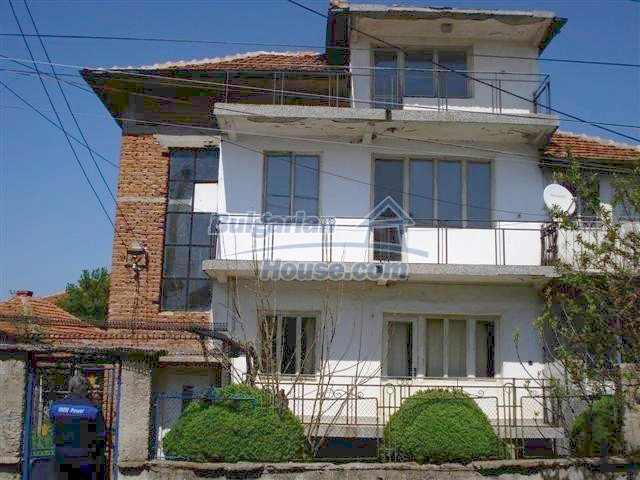 11141:1 - Two-storey house close to the town center in Elhovo