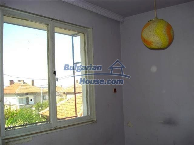 11141:3 - Two-storey house close to the town center in Elhovo