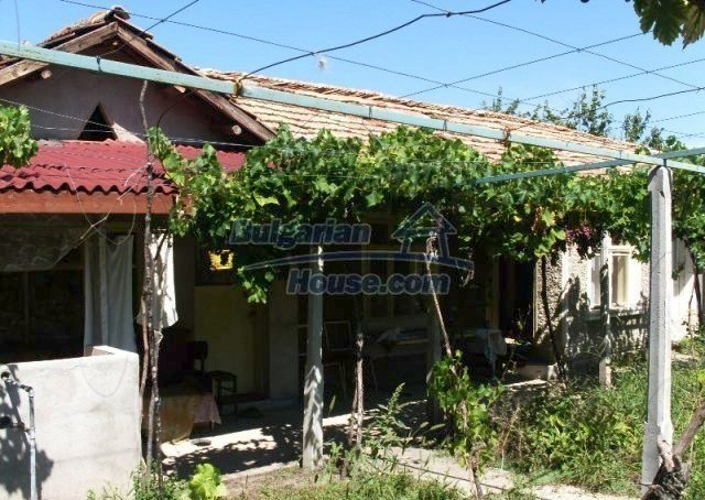 11148:1 - Maintained rural house with a wonderful big garden,Shumen region